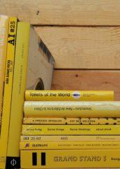 stock libri giallo